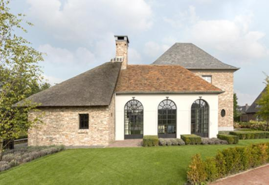 Classic ISO arched windows private house brabant