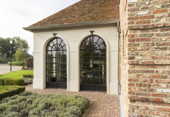 Classic ISO arched windows private house brabant6