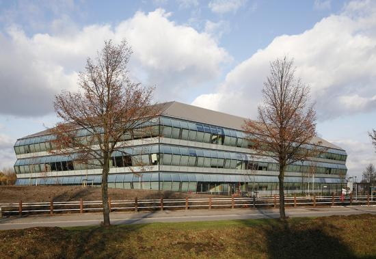 MHB windows Steel glass facade special project amgen europe office Breda 03