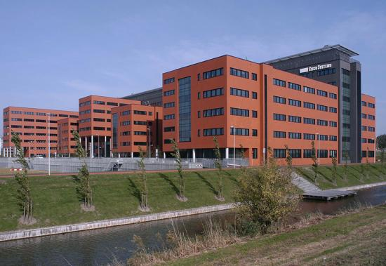 MHB Aluminium facade, windows and doors Stainless steel entrance halls Cisco Amsterdam 02